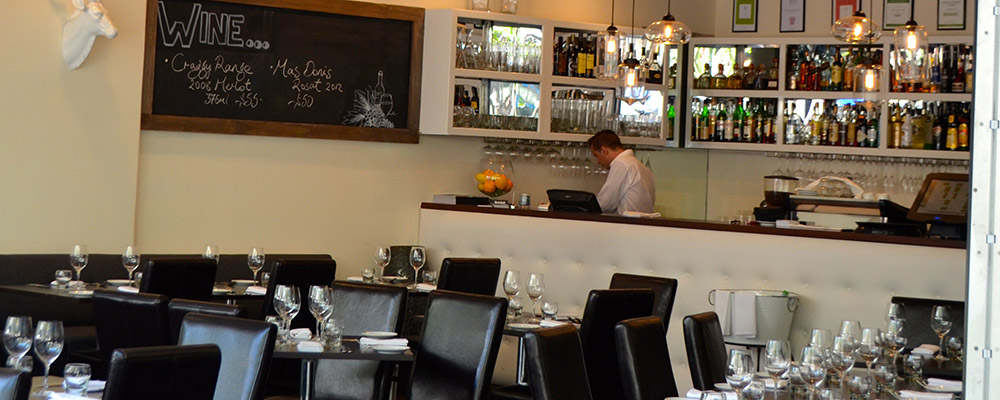 Rock-Salt-Modern-Dining-Broadbeach